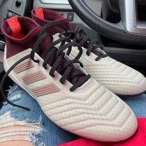 Nike Predator 18.3 FG Soccer Cleats - Size 7